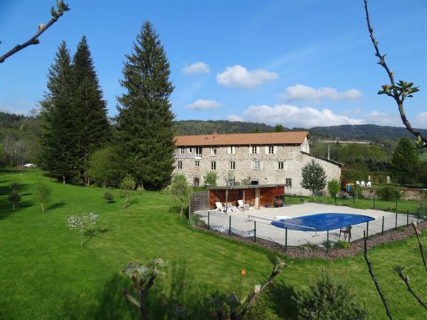 Vakantieappartement, midden Frankrijk met zwembad