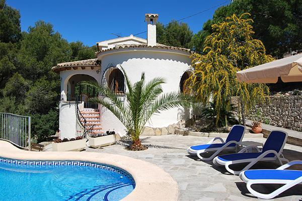 Rustig gel. 4 pers. villa m. privé zwembad Moraira