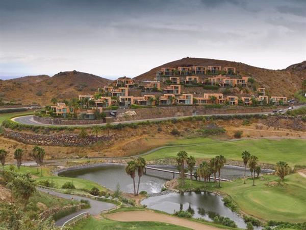 Zeer luxe villas te huur aan Golfresort.