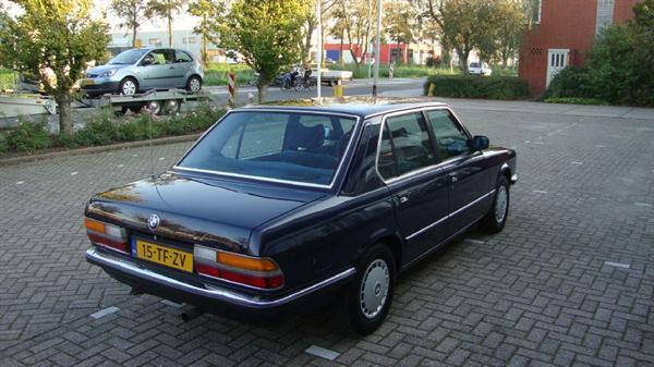 BMW 520 I 1985 120.000 km 1e lak zie advertentie