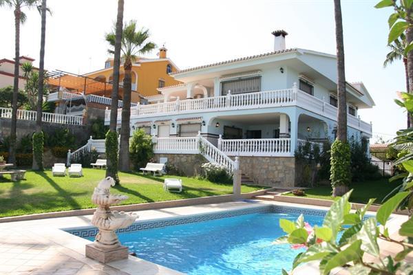 Magnifieke Villa aan de Andalusische Kust !!